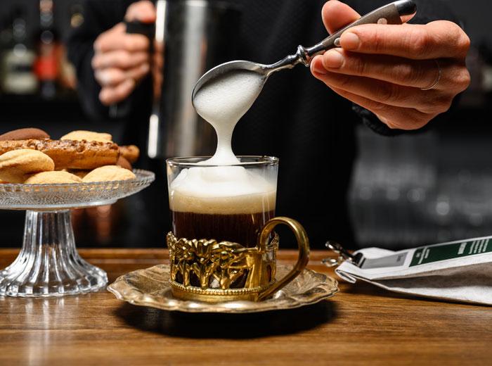 """Tee-Drink mit Gin """"Creamy Aldmond"""""""