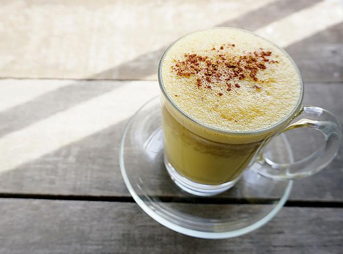 Rezept für Goldene Milch mit Ingwer-Kurkuma-Tee